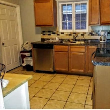 Rent this 1 bed room on Huh Hall in Laclede Avenue, St. Louis