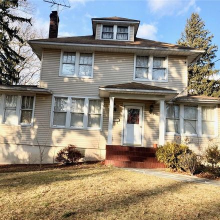 Rent this 5 bed house on 25 Linden Avenue in Spring Valley, NY 10977