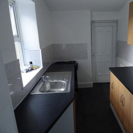 Rent this 2 bed apartment on Cardinal Hume Catholic School in Old Durham Road, Gateshead NE9 6RZ