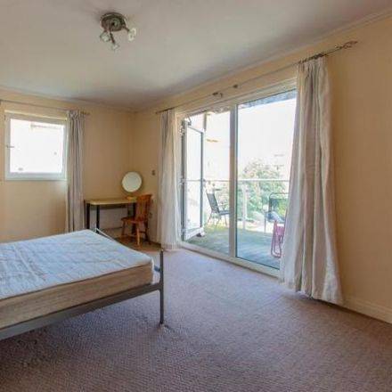 Rent this 3 bed apartment on Ffordd Radcliffe in Cardiff, United Kingdom