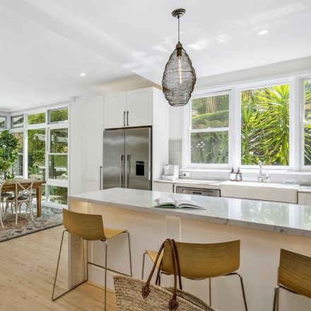 Rent this 6 bed house on 16 Bellevue Avenue