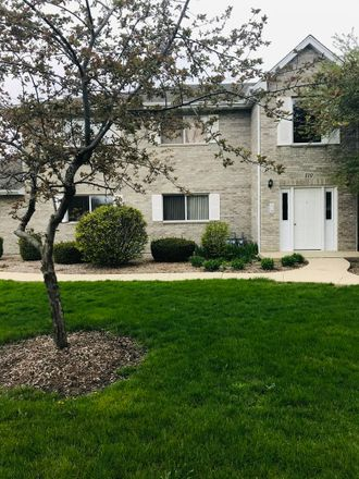 Rent this 2 bed townhouse on 310 Loyola Drive in Elgin, IL 60123