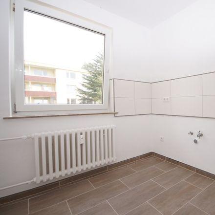 Rent this 3 bed apartment on In den Bärenkämpen 22 in 32425 Minden, Germany
