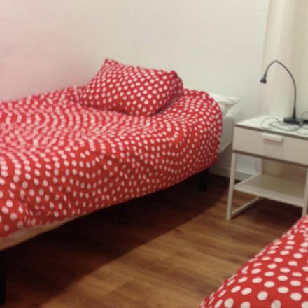 Rent this 2 bed room on Calle de Velázquez in 111, 28006 Madrid