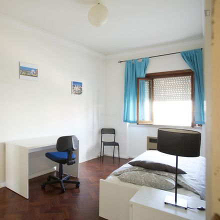 Rent this 5 bed room on Clube de Futebol Varejense in Avenida Afonso III 86, 1900-048 Lisbon