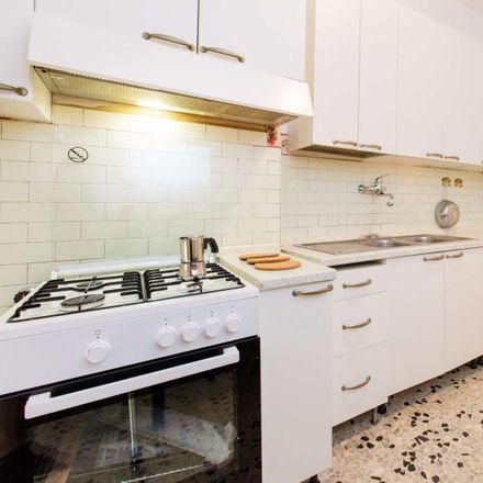 Rent this 2 bed room on Via Oderisi da Gubbio