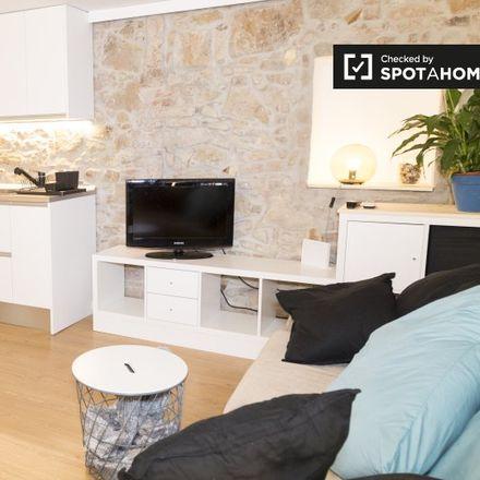 Rent this 2 bed apartment on Vinalium in Carrer de Càceres, 6