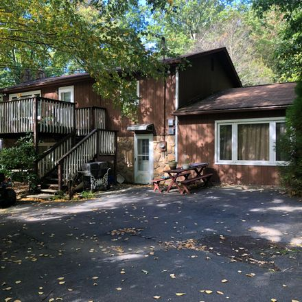 Rent this 3 bed house on Winding Way in Kunkletown, PA