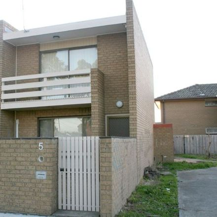 Rent this 2 bed townhouse on 5/34 Adelaide Street