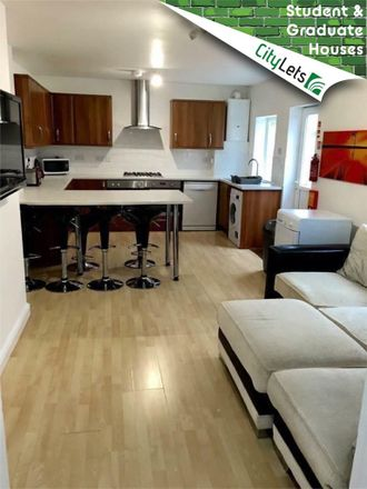 Rent this 6 bed room on College View in Plymouth PL4 6NX, United Kingdom