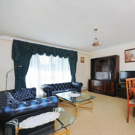 Rent this 2 bed apartment on Park Lodge in Kensington High Street, London W14 8NZ
