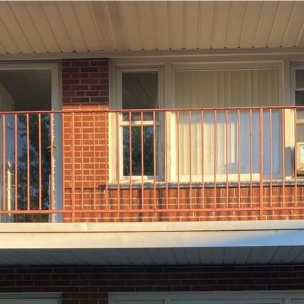 Rent this 1 bed condo on East Algonquin Road in Arlington Heights, IL 60005