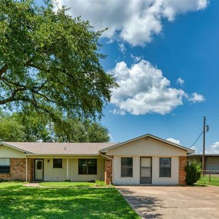 Rent this 4 bed house on Crestridge Dr in Granbury, TX