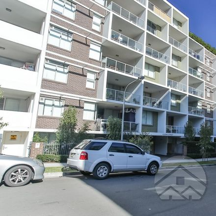Rent this 2 bed apartment on 604/214-220 Coward St