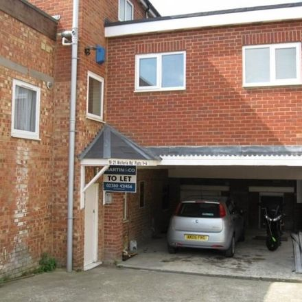 Rent this 2 bed apartment on Subway in Victoria Road, Southampton SO19 9DX