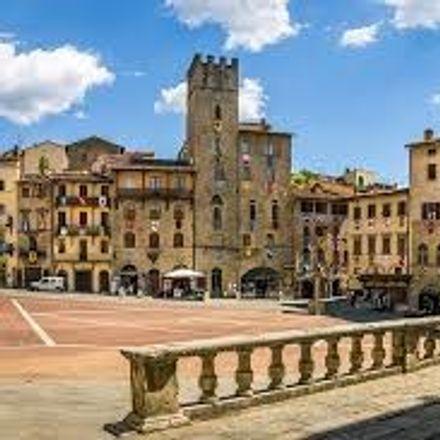 Rent this 2 bed apartment on Via Orciolaia in 52100 Arezzo AR, Italia