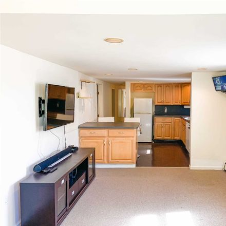 Rent this 2 bed house on Searingtown Rd N in Albertson, NY