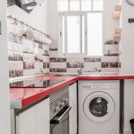 Rent this 3 bed apartment on Carrer de la Democràcia in 46014 Mislata, Spain