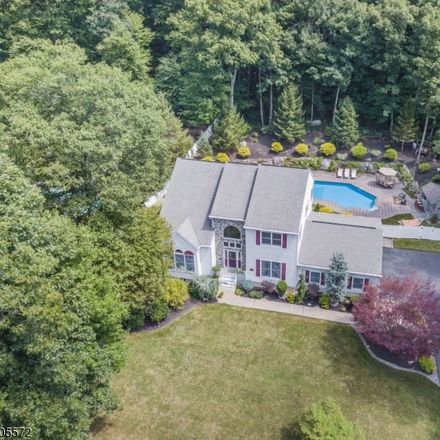 Rent this 4 bed house on 14 Skyler Court in Jefferson Township, NJ 07438
