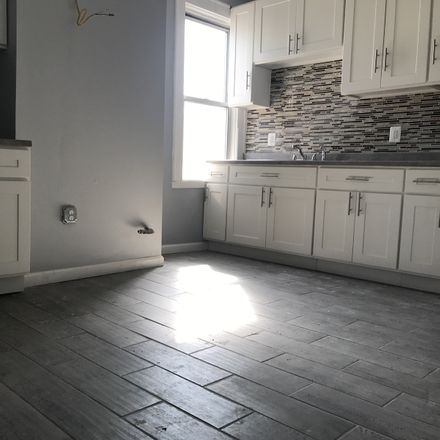 Rent this 3 bed townhouse on 111 Grafton Avenue in Newark, NJ 07104