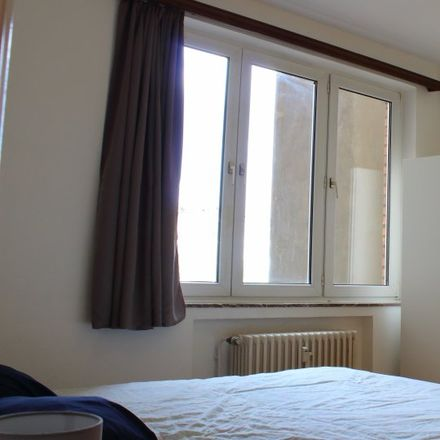 Rent this 2 bed apartment on Athénée Royal Jean Absil in Avenue du Onze Novembre - Elf Novemberlaan, 1040 Etterbeek