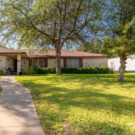 Rent this 3 bed apartment on 3209 Sierra Drive in San Angelo, TX 76904