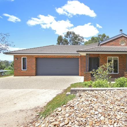 Rent this 4 bed house on 2 Auhl Court