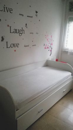 Rent this 2 bed room on Via Vittorio Barzoni in 2, 20139 Milan Milan