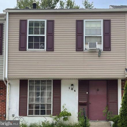 Rent this 5 bed townhouse on Elliot St in Newark, DE