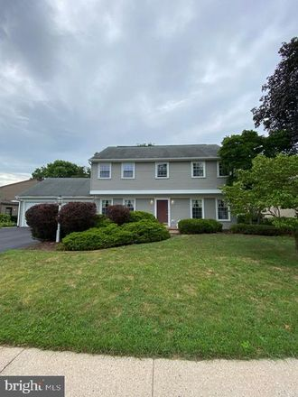 Rent this 4 bed house on 925 Cypress Street in Chambersburg, PA 17201