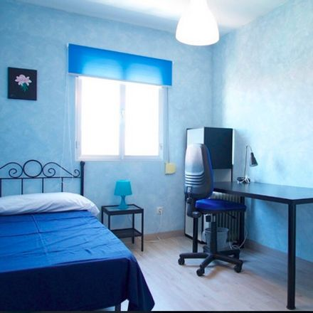 Rent this 3 bed room on Calle Azucena in 28903 Getafe, Madrid