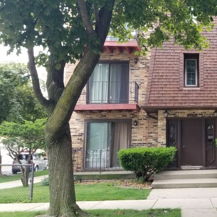 Rent this 2 bed condo on 6654 West 64th Place in Bedford Park, IL 60638