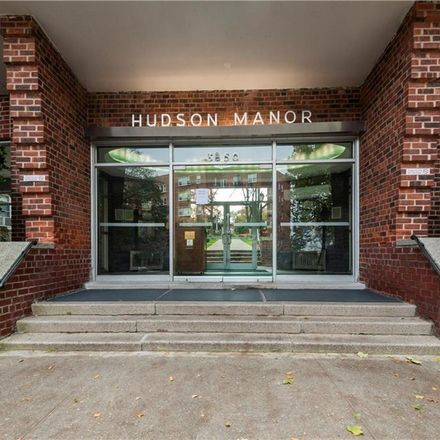 Rent this 3 bed condo on 3850 Hudson Manor Terrace in New York, NY 10463