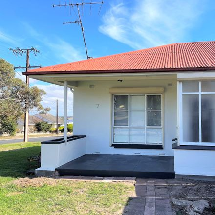 Rent this 3 bed house on 7 ADELAIDE AVENUE