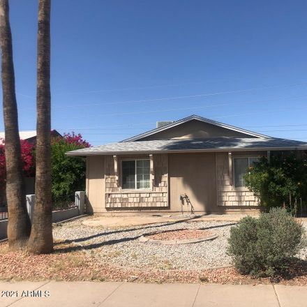 Rent this 2 bed townhouse on 5438 South 46th Place in Phoenix, AZ 85040