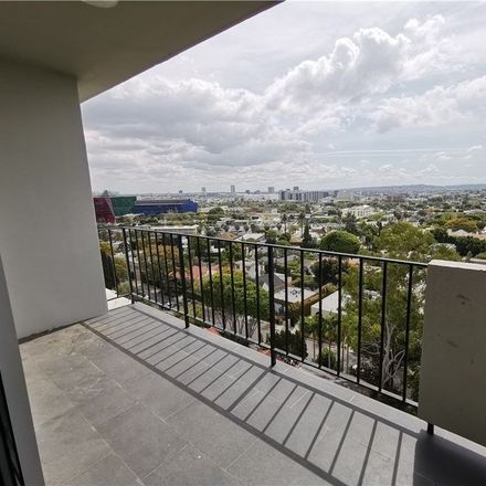 Rent this 2 bed condo on Doheny Plaza in 818 North Doheny Drive, Beverly Hills