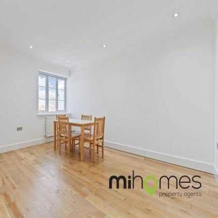Rent this 3 bed apartment on Bowes Park in Natal Road, London N11 2HX