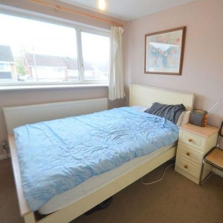 Rent this 3 bed house on Wingate Close in Kettering, NN15 5BD