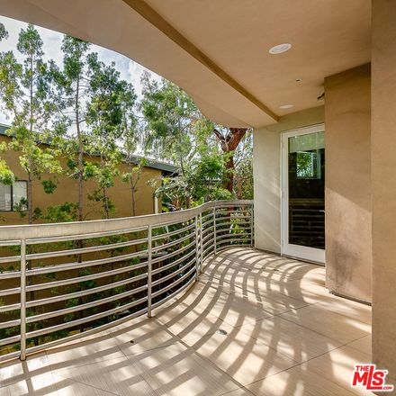 Rent this 3 bed apartment on Havenhurst Dr in Los Angeles, CA