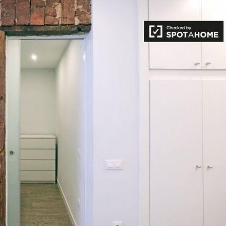 Rent this 1 bed apartment on Ozú in Calle de la Reina, 23