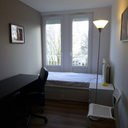 Rent this 3 bed room on 4 Square Mantegna in 37000 Tours, France