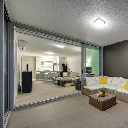 Rent this 2 bed apartment on 30908/50 Duncan Street