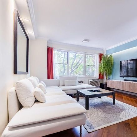 Rent this 1 bed condo on 14 Horatio Street in New York, NY 10014