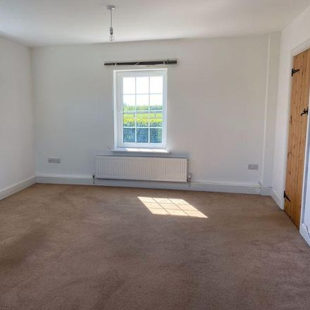 Rent this 3 bed house on Cloth Kits and Drapers Yard in 16 The Hornet, Chichester PO19 7JG