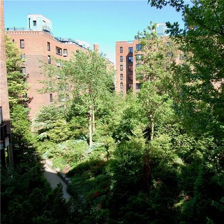 Rent this 2 bed condo on 62 Park Terrace West in New York, NY 10034