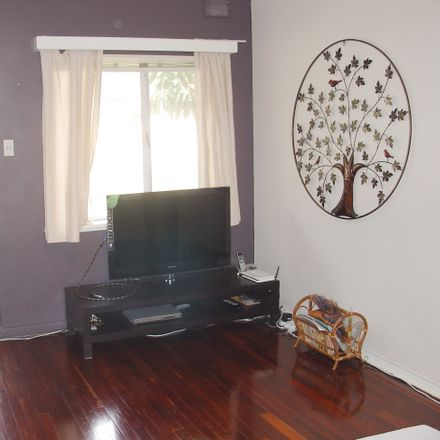 Rent this 1 bed apartment on 2/6 Radnor Ave