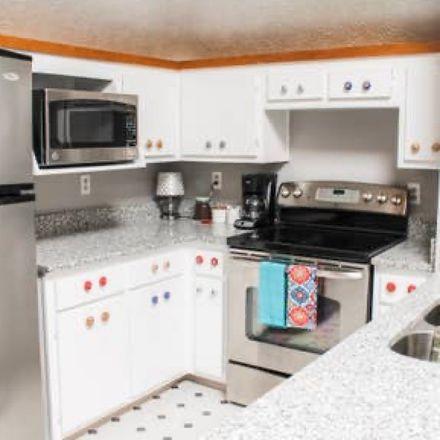 Rent this 1 bed apartment on 2118 Fairfax Avenue in Nashville-Davidson, TN 37212