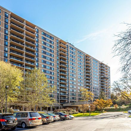 Rent this 2 bed apartment on Place One Condominium in 5500 Holmes Run Parkway, Alexandria