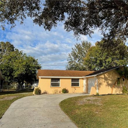 Rent this 3 bed house on 1031 Elaine Street in Venice, FL 34285
