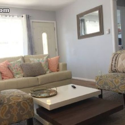 Rent this 3 bed house on 4687 Bellflower Boulevard in Lakewood, CA 90713